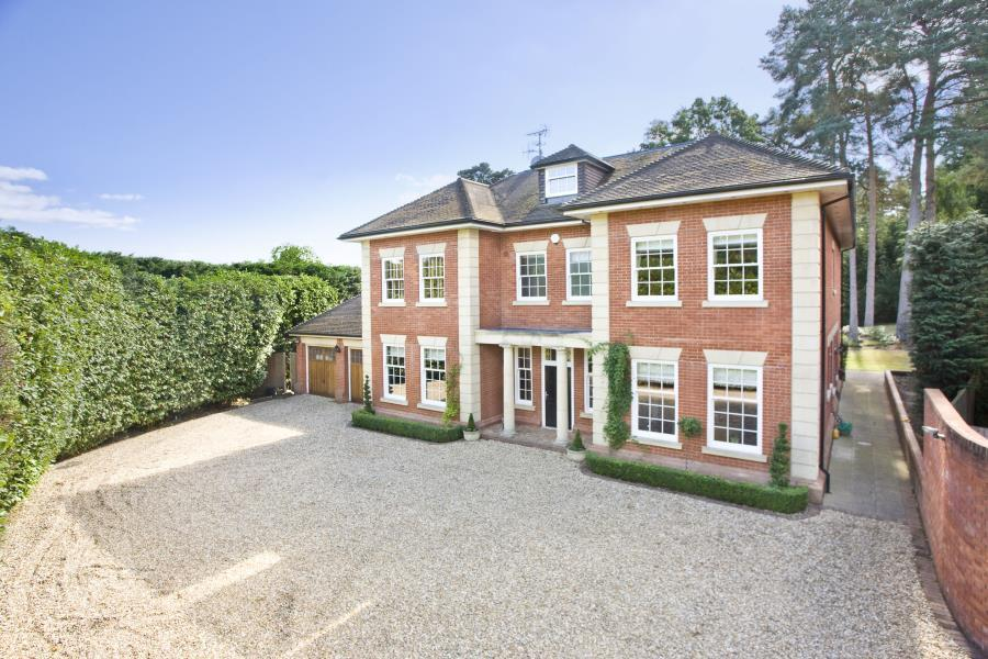 5 Bedrooms Detached House for sale in South Ascot, Berks