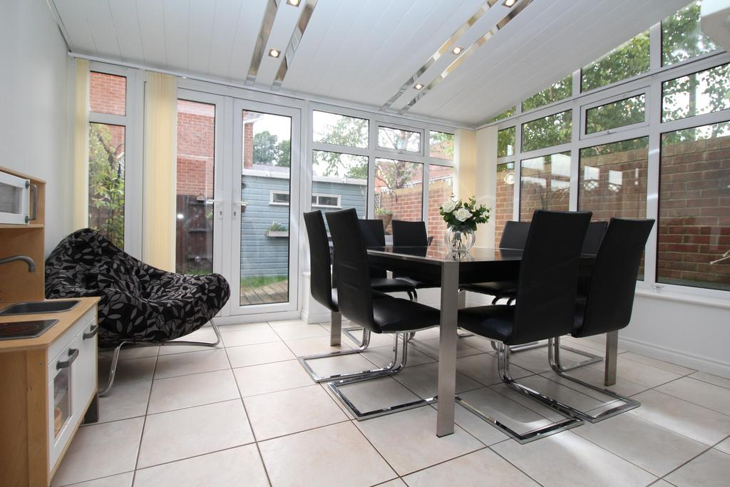 4 Bedrooms End Of Terrace House for sale in Thyme Avenue, Whiteley