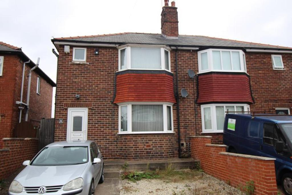 3 Bedrooms Semi Detached House for sale in 8 Carlton Close, Worksop
