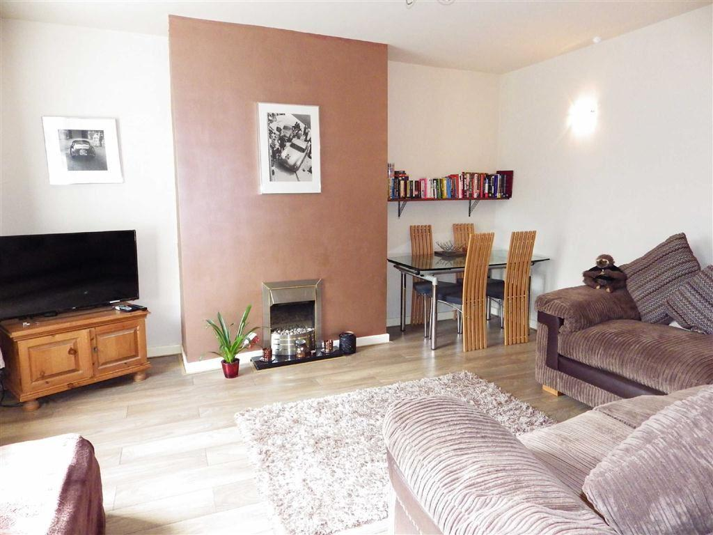 2 Bedrooms Terraced House for sale in Pleasant View, Waterfoot, Rossendale, Lancashire, BB4