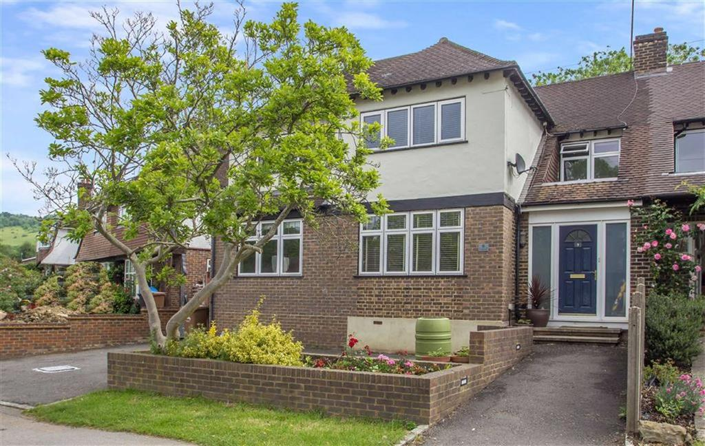 4 Bedrooms Semi Detached House for sale in Gordons Way, Oxted, Surrey