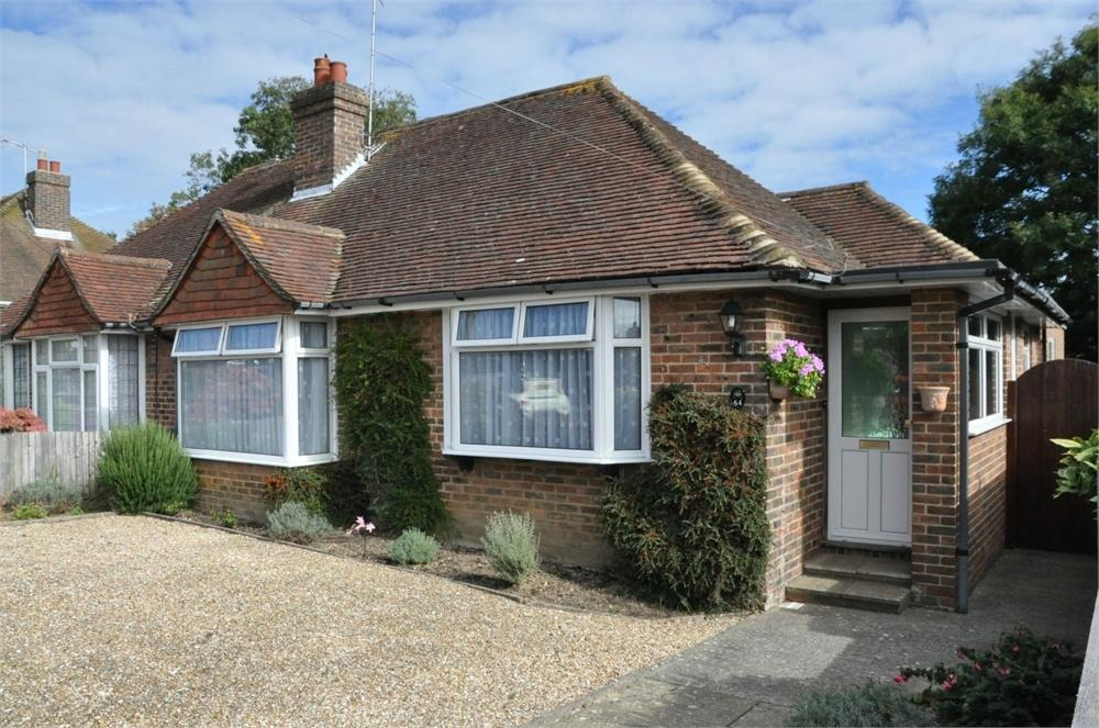 3 Bedrooms Semi Detached Bungalow for sale in Dalehurst Road, Bexhill on Sea