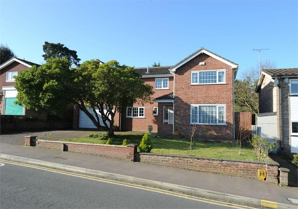 6 Bedrooms Detached House for sale in Oaks Drive, COLCHESTER, Essex