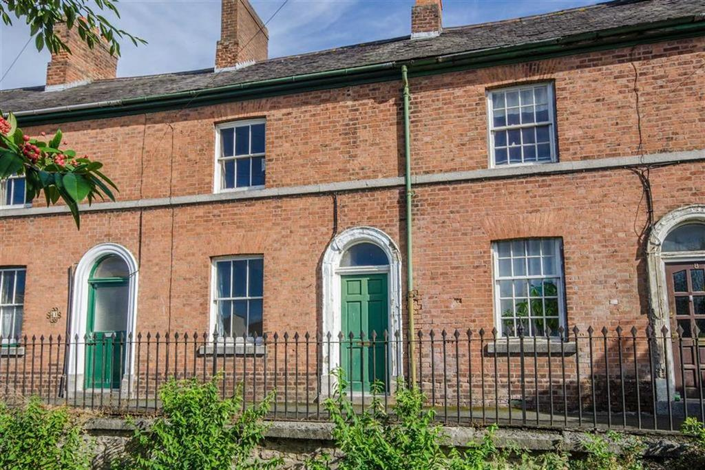 2 Bedrooms Terraced House for sale in Railway Terrace, Ruthin