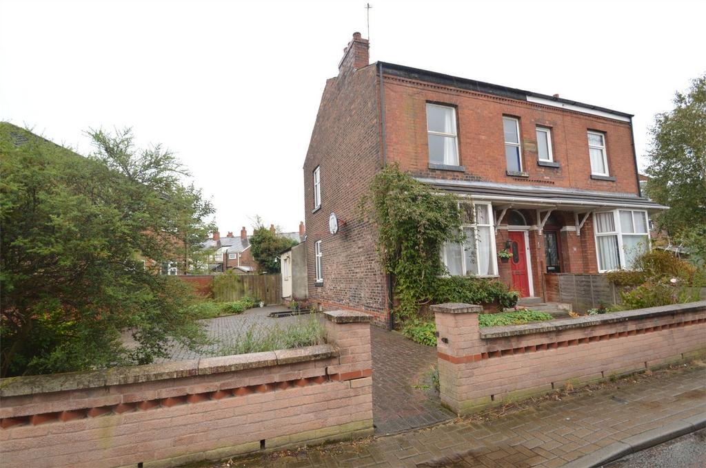 3 Bedrooms Semi Detached House for sale in 'Park View' Heywood Grove, SALE, Cheshire