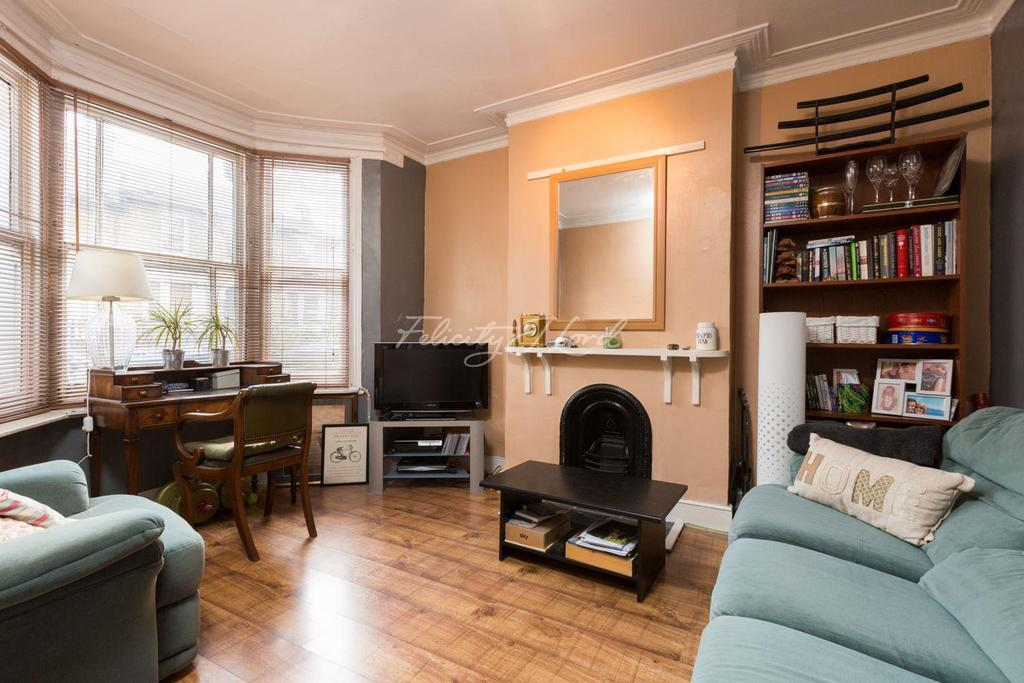 2 Bedrooms Flat for sale in Fairthorn Road, Charlton, SE7