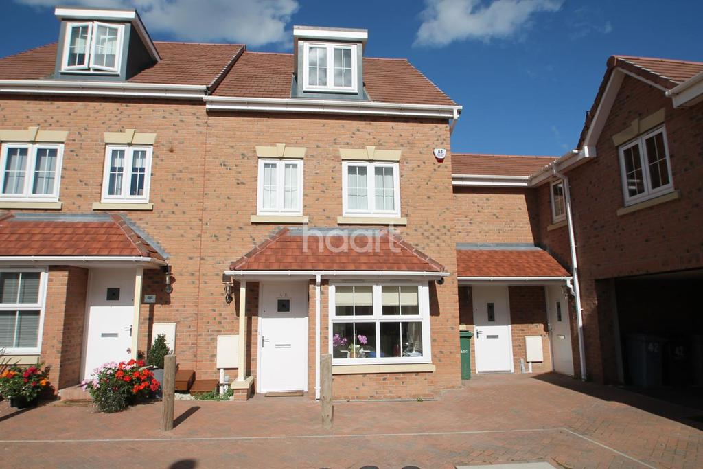 4 Bedrooms Semi Detached House for sale in Kings Sconce Avenue, Newark