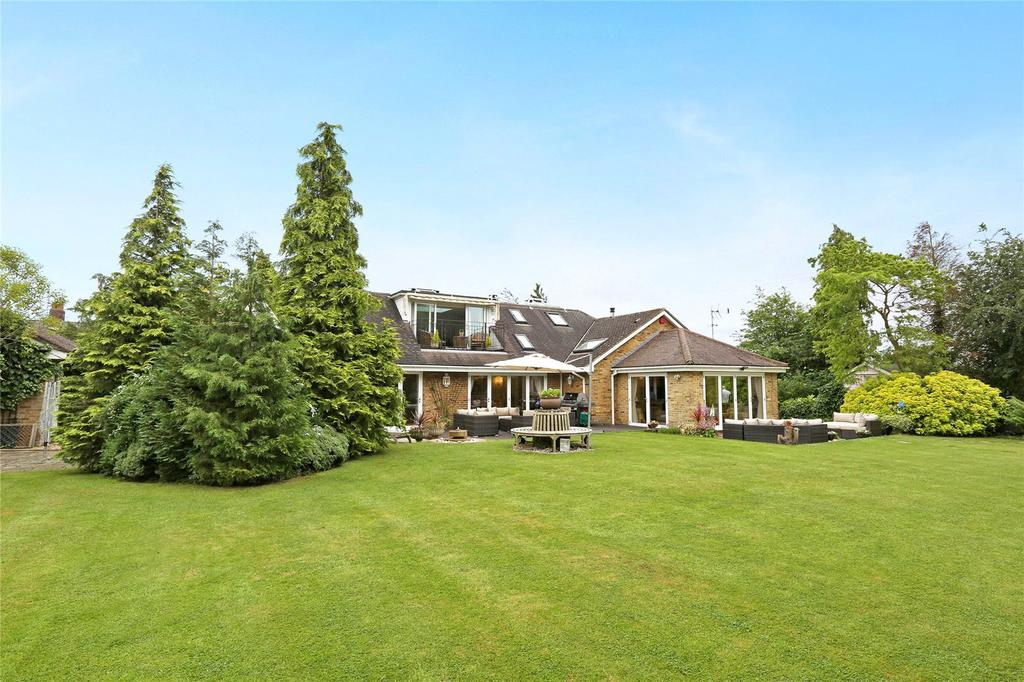 5 Bedrooms Detached Bungalow for sale in Church Road, Little Berkhamsted, Hertford, SG13