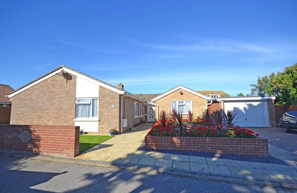 4 Bedrooms Detached Bungalow for sale in West Street, Selsey, PO20