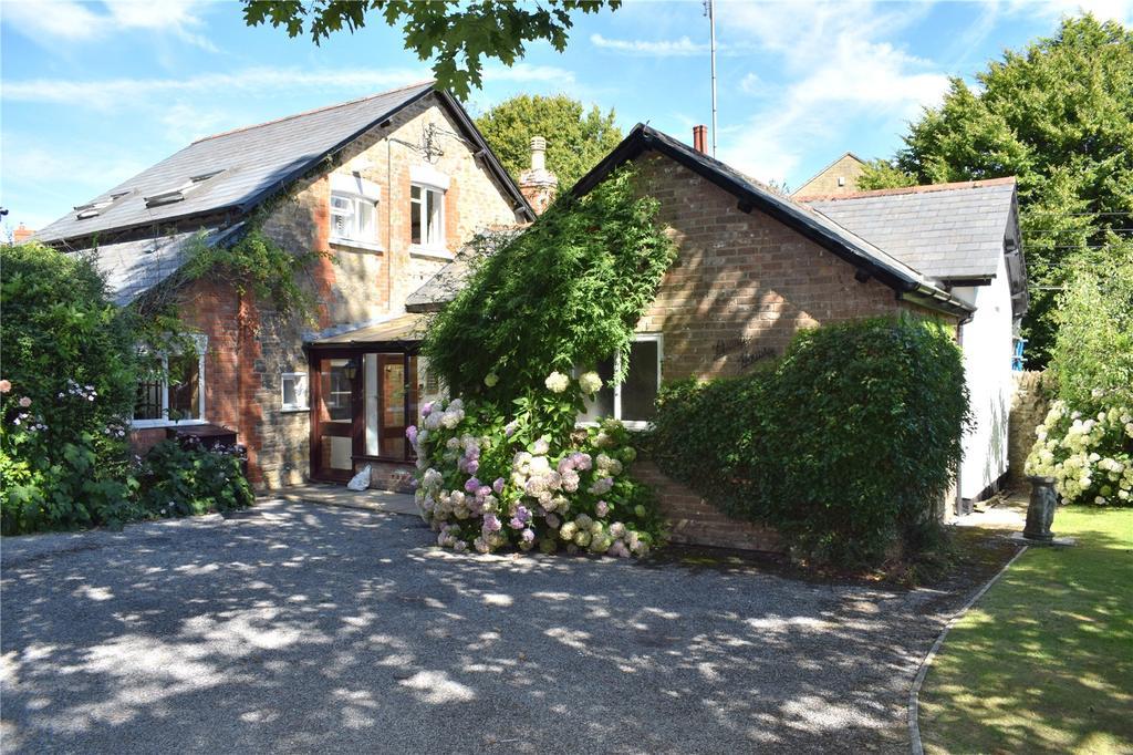 4 Bedrooms Detached House for sale in Pump House, St James Park, Higher Street, Bradpole, Bridport, Dorset