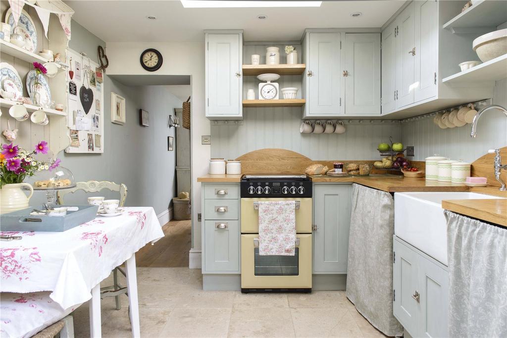 2 Bedrooms Terraced House for sale in Higher Street, Bradpole, Bridport, Dorset