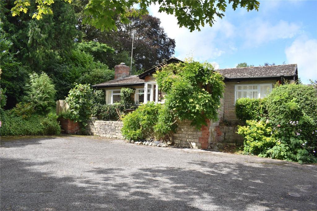 2 Bedrooms Detached Bungalow for sale in Wisteria Cottage, St James Park, Higher Street, Bradpole, Bridport, Dorset