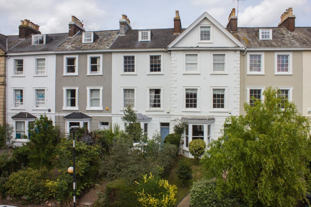5 Bedrooms Terraced House for sale in New North Road, Exeter, Devon, EX4