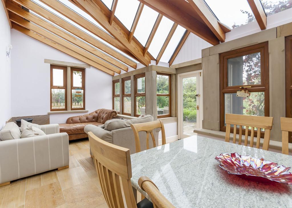 5 Bedrooms Detached House for sale in Retford Road, Blyth, Worksop, Notts.