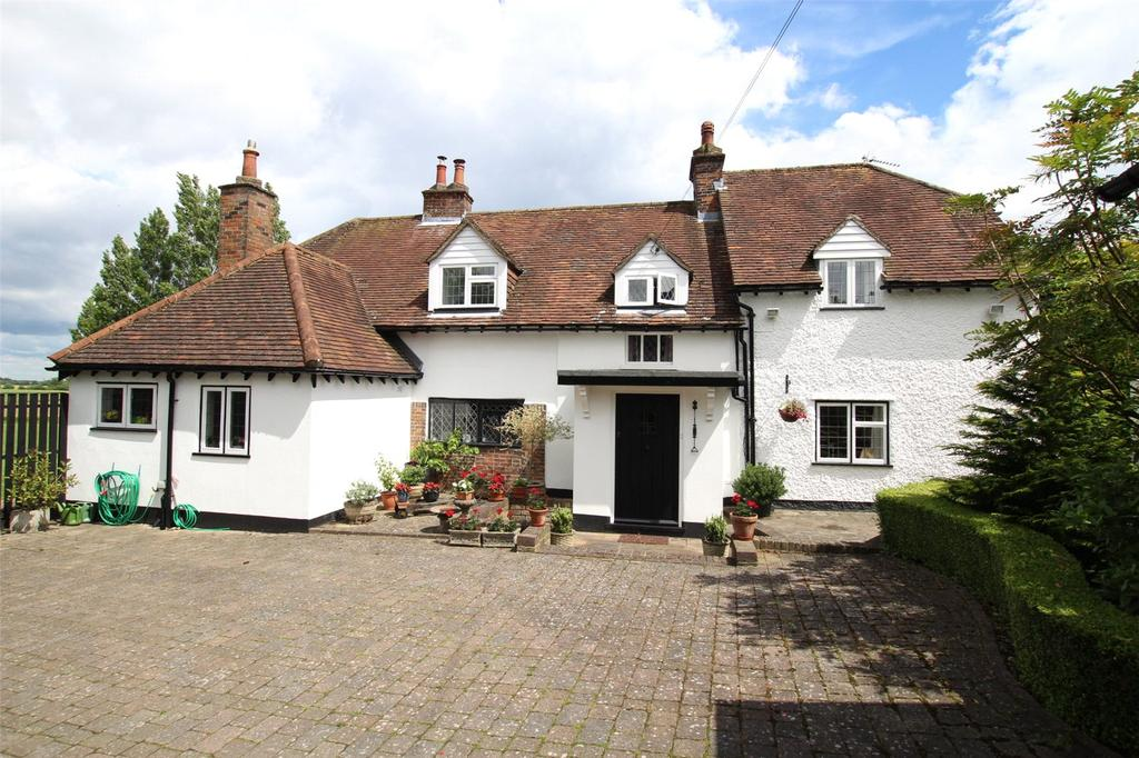 4 Bedrooms Detached House for sale in Common Road, Kensworth, Bedfordshire