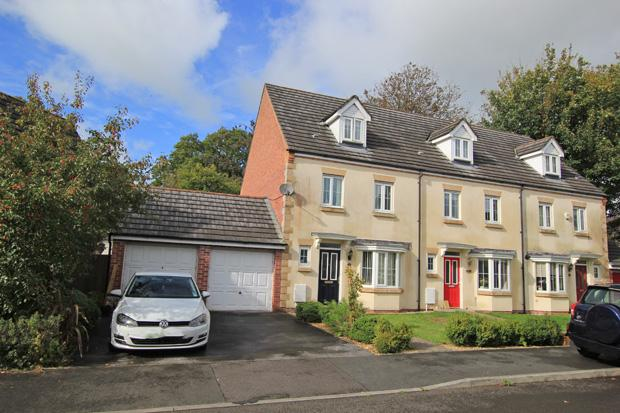 4 Bedrooms Terraced House for sale in Bro'r Holl Saint, Carmarthen, Carmarthenshire