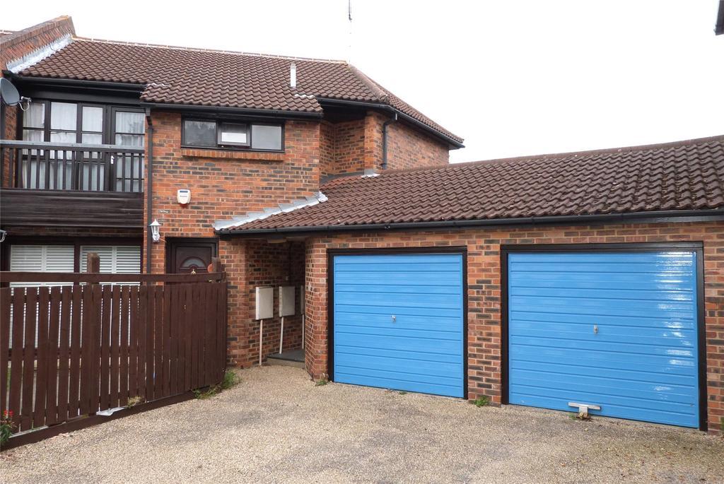 1 Bedroom Maisonette Flat for sale in Courtney Park Road, Langdon Hills, Essex, SS16