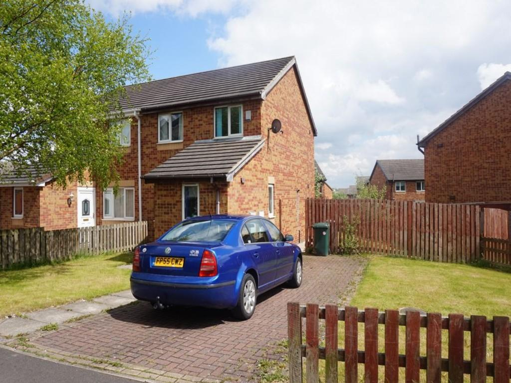 3 Bedrooms Semi Detached House for sale in Heath Hall Avenue, Bradford