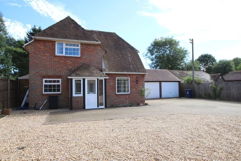 4 Bedrooms Detached House for sale in Ewhurst Road, Cranleigh
