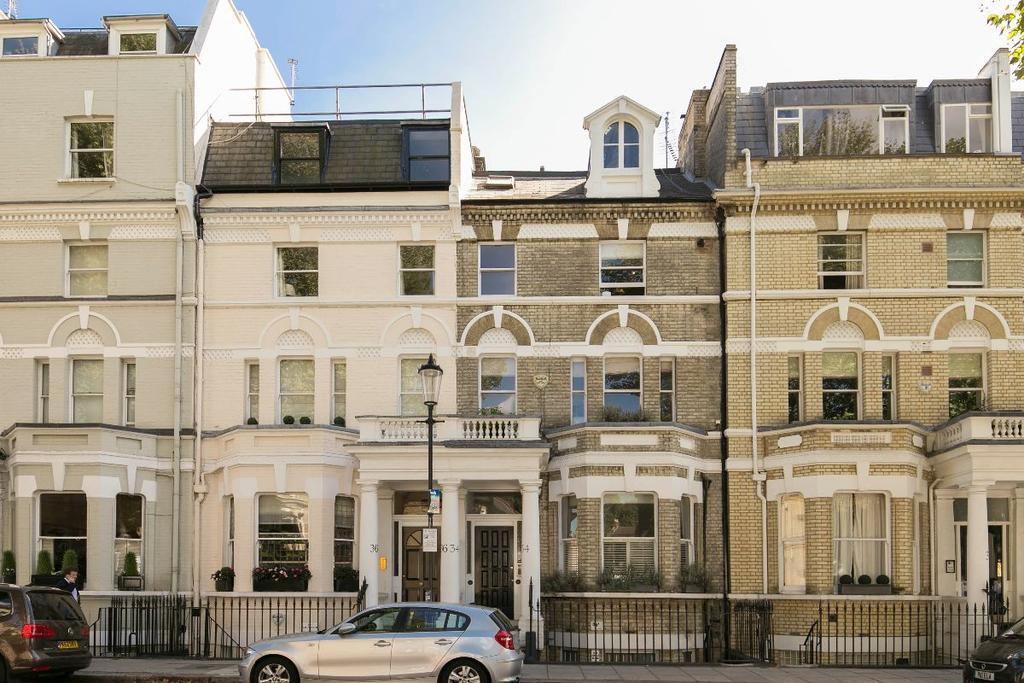 3 Bedrooms Terraced House for sale in Elm Park Road, London, SW3