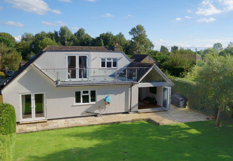 4 Bedrooms Village House for sale in Clifden Road, Worminghall