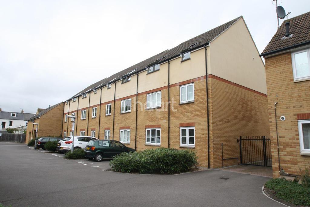 2 Bedrooms Flat for sale in Northfield Court, Pollards Way,