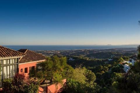 9 bedroom villa  - La Zagaleta, Benahavis, Costa Del Sol