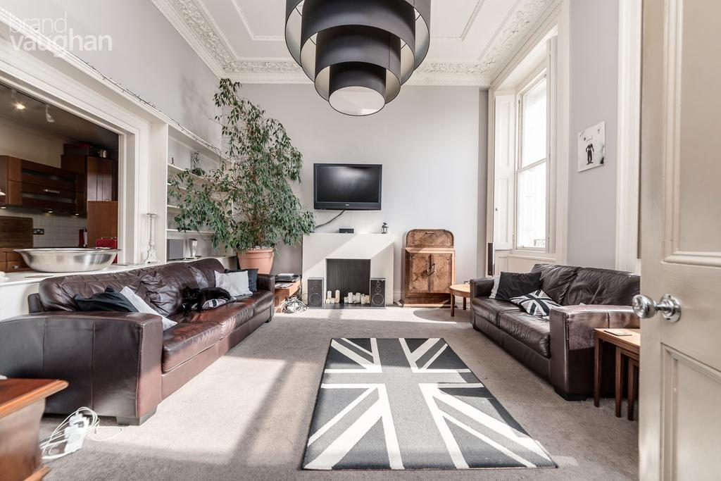 2 Bedrooms Apartment Flat for sale in Chichester Terrace, Brighton, BN2