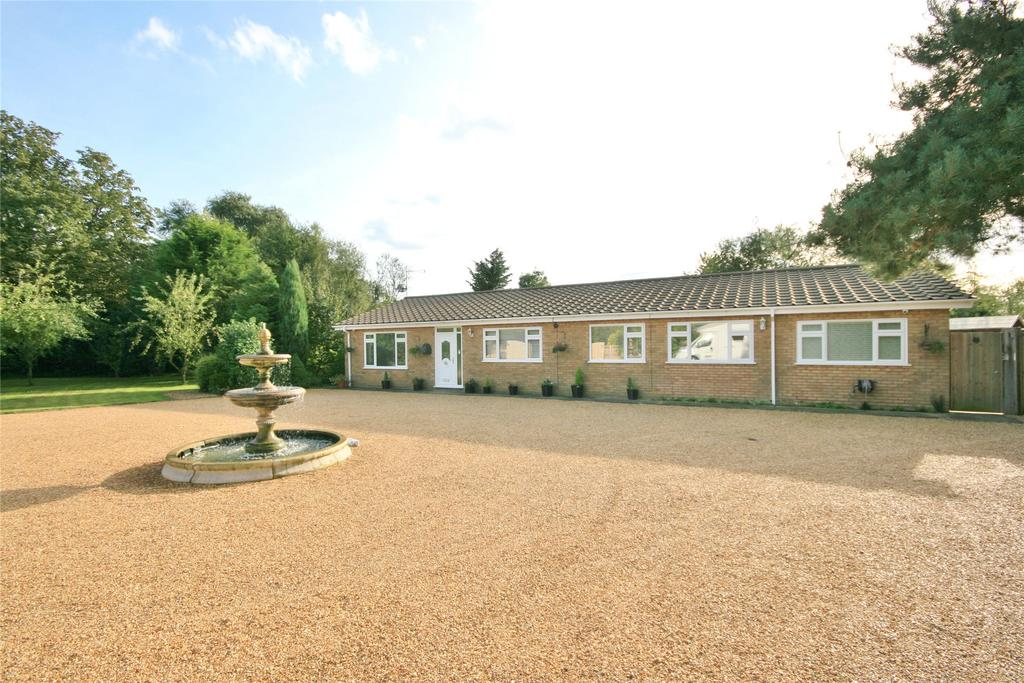 4 Bedrooms Detached Bungalow for sale in Strongs Bank, Holbeach Fen, PE12
