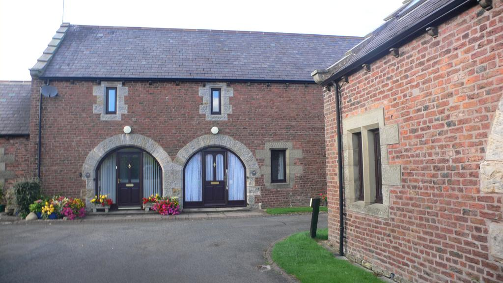 2 Bedrooms Terraced House for sale in 11 Townfoot Court, Brampton, Carlisle CA8