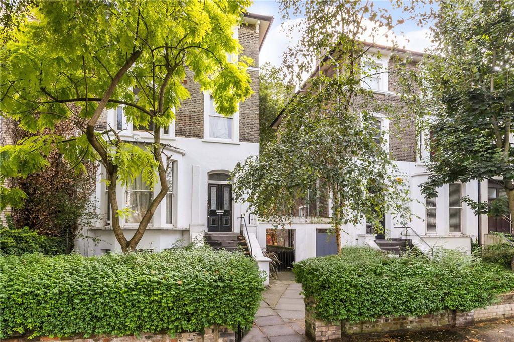 2 Bedrooms Flat for sale in Caversham Road, Kentish Town, London