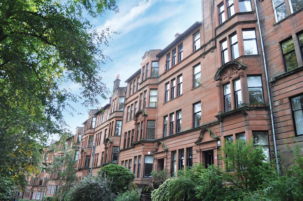 3 Bedrooms Flat for sale in 2/2, 43 Camphill Avenue, Langside, G41 3AX