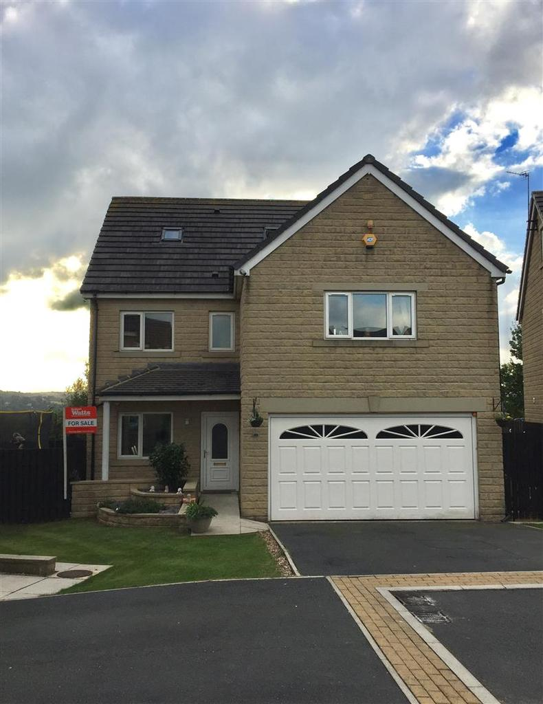 6 Bedrooms Detached House for sale in Oakdale Grove, Shipley, BD18 1NX