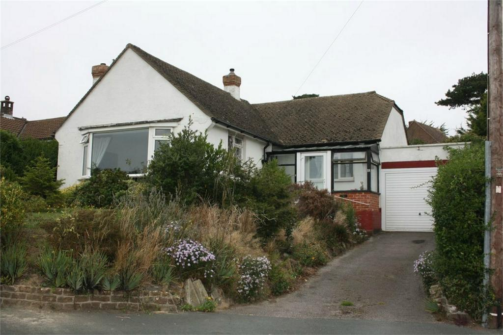 2 Bedrooms Detached Bungalow for sale in 11 Oakwood Close, HASTINGS, East Sussex