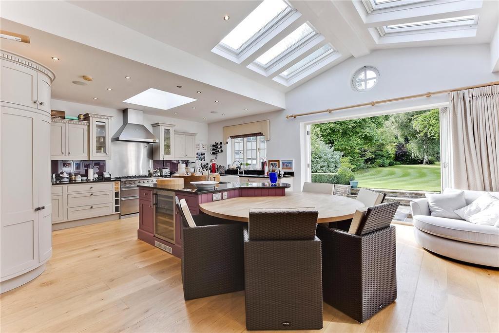 5 Bedrooms Detached House for sale in Littleworth Avenue, Esher, Surrey, KT10