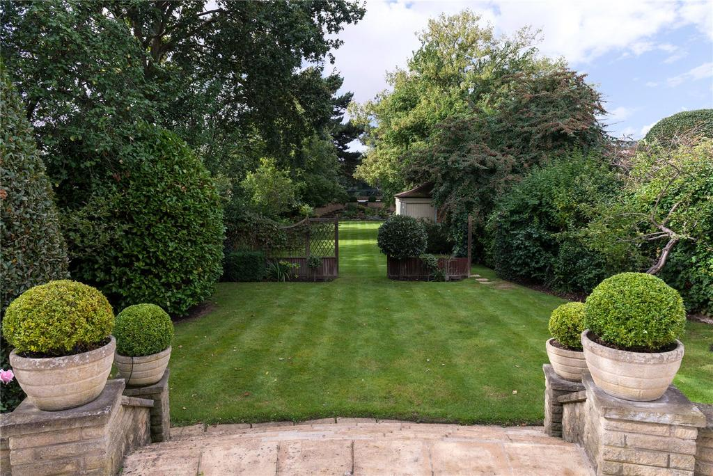5 Bedrooms Detached House for rent in Hartington Road, Chiswick, London
