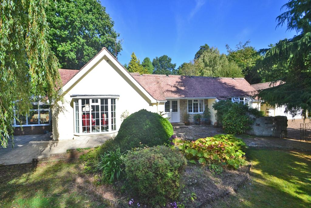 3 Bedrooms Bungalow for sale in West Chiltington, Pulborough, West Sussex, RH20