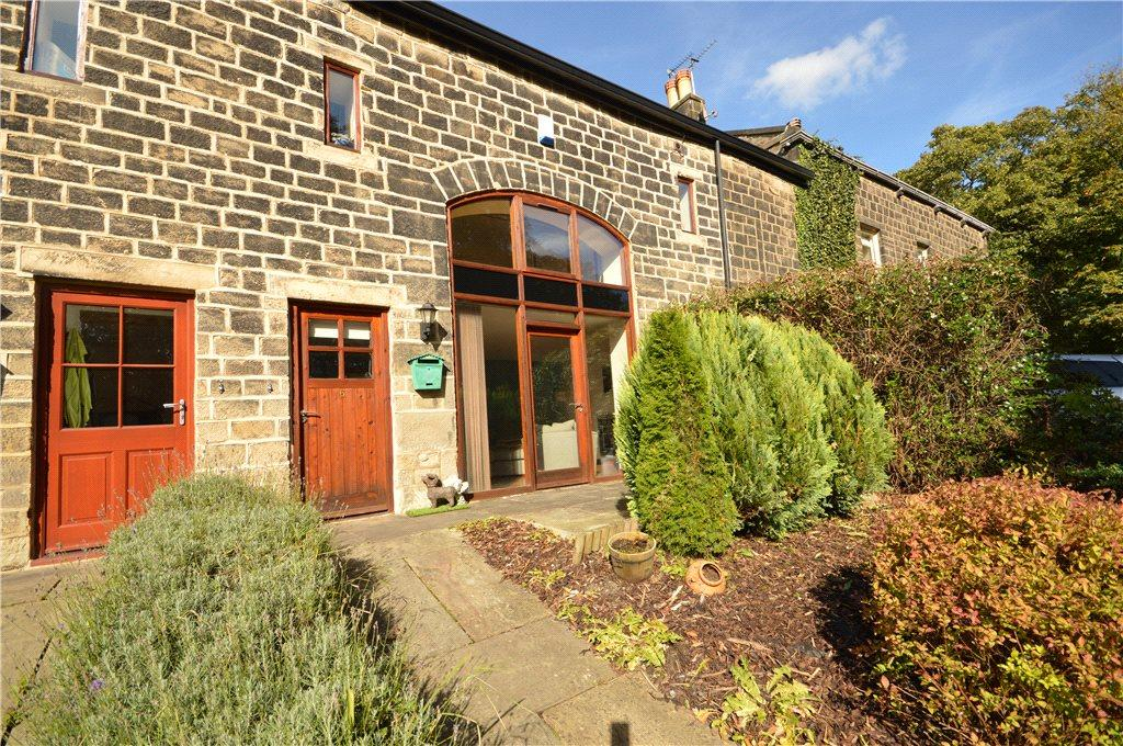 3 Bedrooms Terraced House for sale in Greencroft Mews, The Green, Guiseley, Leeds