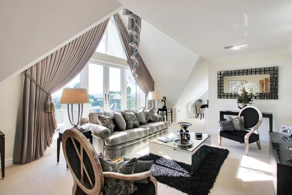 2 Bedrooms Penthouse Flat for sale in Bearsted Views, St. Faiths Lane, Bearsted