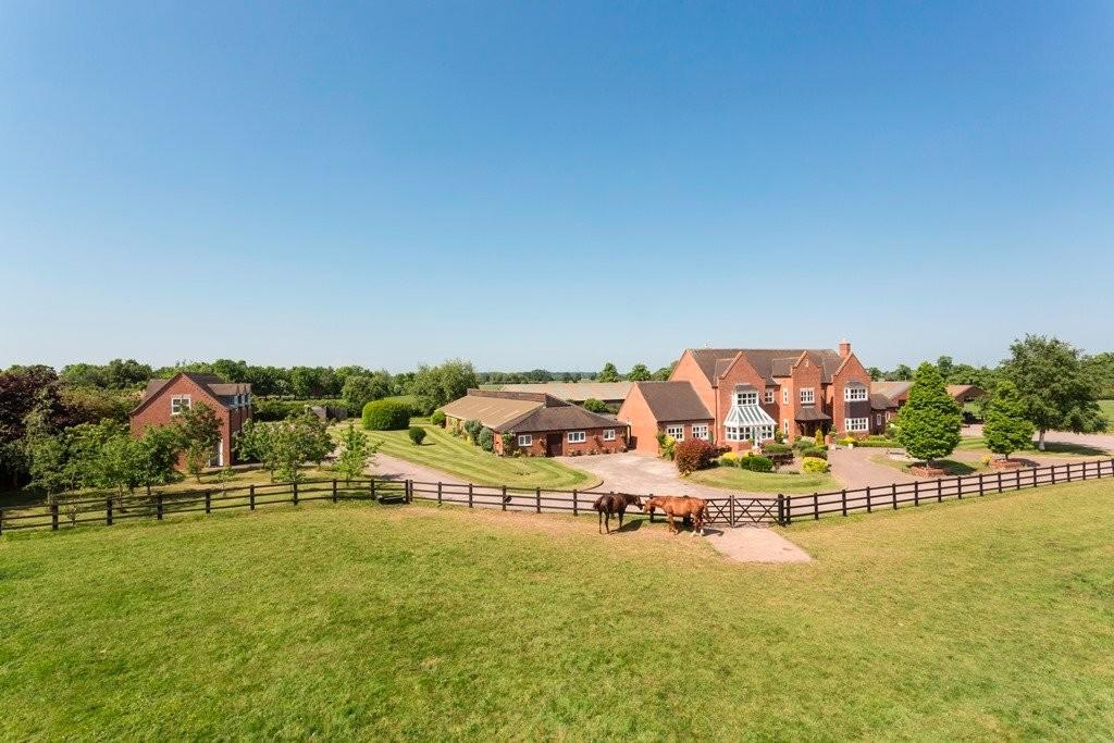 6 Bedrooms Detached House for sale in Wychnor, Staffordshire