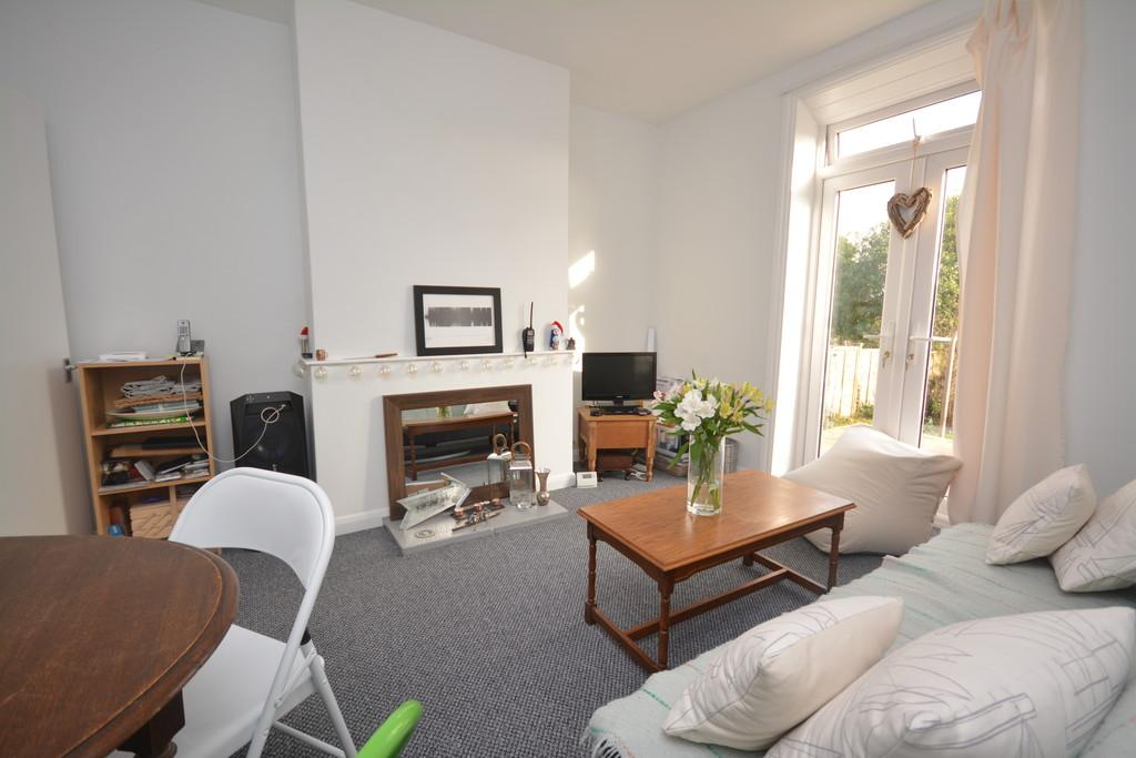 1 Bedroom Ground Maisonette Flat for sale in Newport Road, Cowes