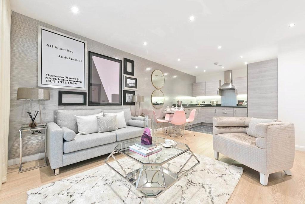 1 Bedroom Flat for sale in Banbury Park, 158 Billet Road, Walthamstow, London