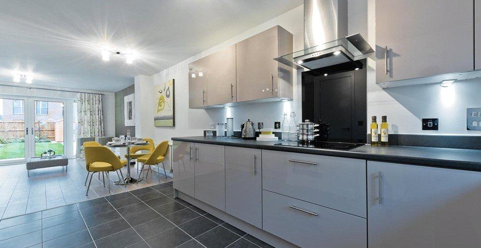 4 Bedrooms Terraced House for sale in Banbury Park, 158 Billet Road, Walthamstow, London