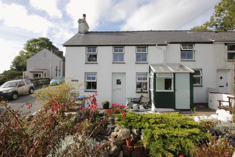 2 Bedrooms House for sale in Garndolbenmaen, Gwynedd