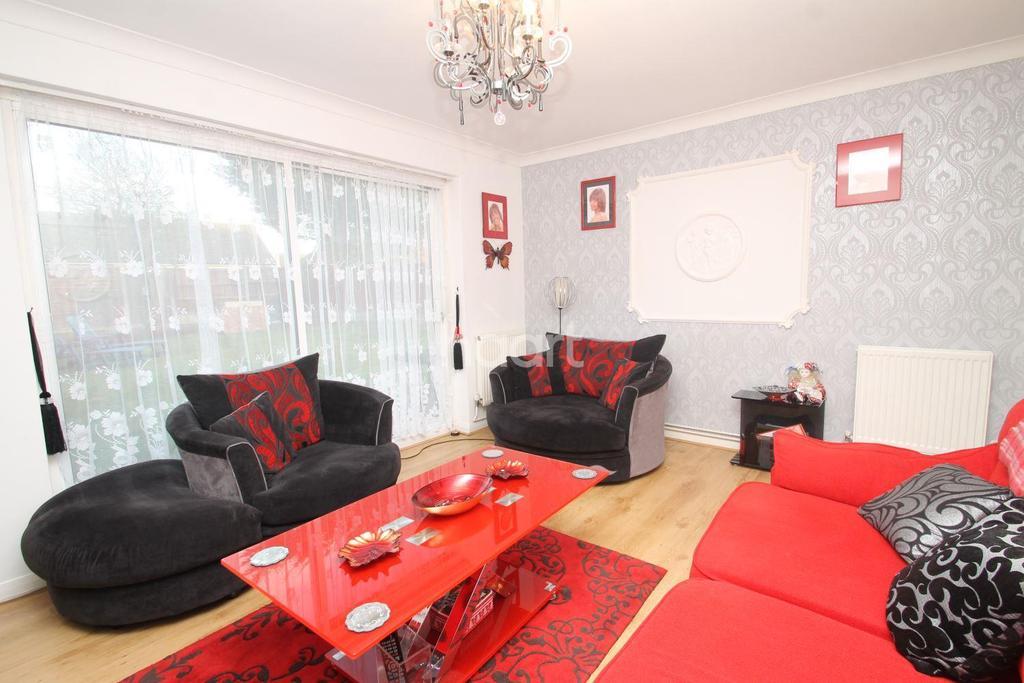 2 Bedrooms Bungalow for sale in Hockley