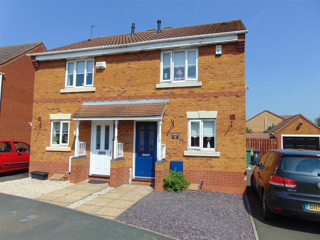 2 Bedrooms Semi Detached House for sale in Red River Road, Walsall