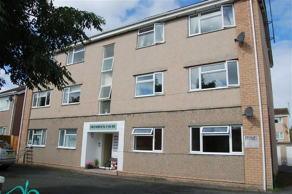 2 Bedrooms Apartment Flat for sale in Shamrock Court, Shamrock Terrace, Deganwy, Conwy