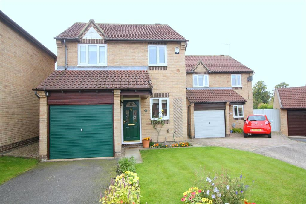 3 Bedrooms Detached House for sale in Rivergarth, Darlington