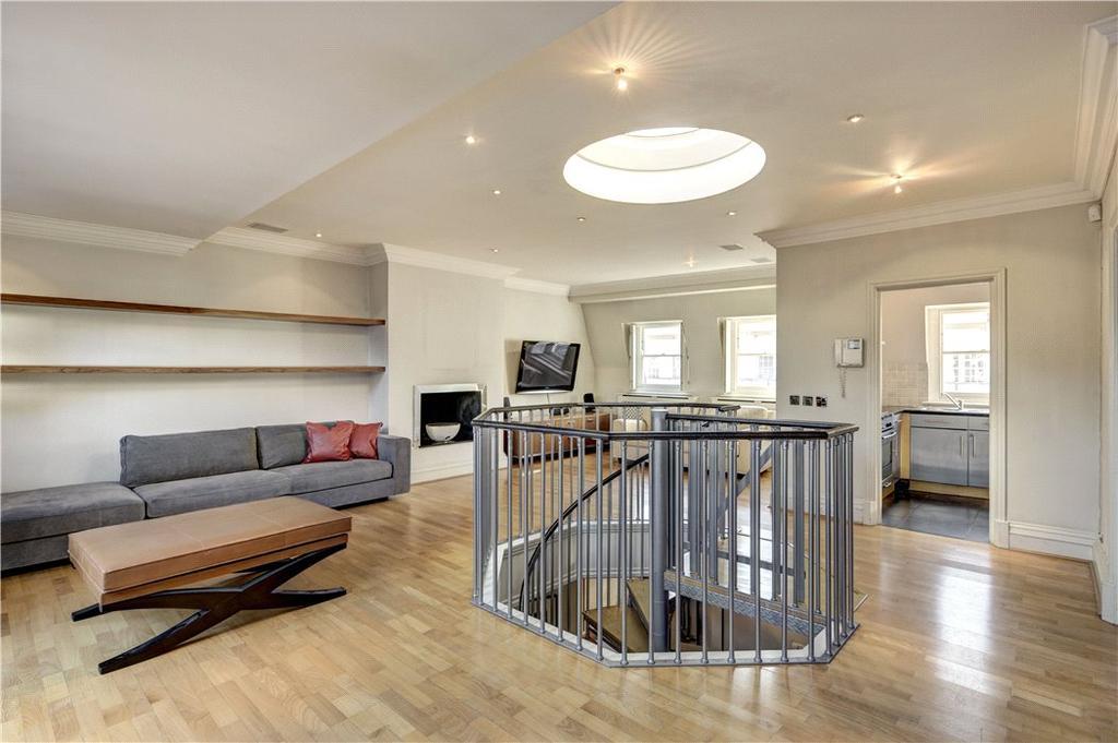 3 Bedrooms Penthouse Flat for sale in Berkeley Street, Mayfair, London, W1J