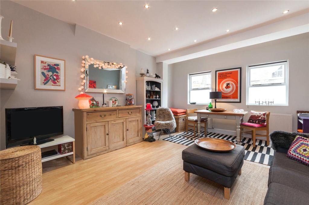 2 Bedrooms Flat for sale in Tollington Way, London